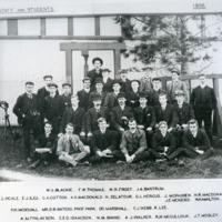 1905 Staff and students (?school of mines)(geo5175)